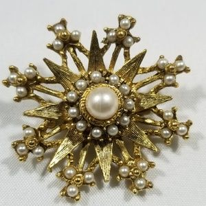 Vintage custom jewelry brooches pin pearl